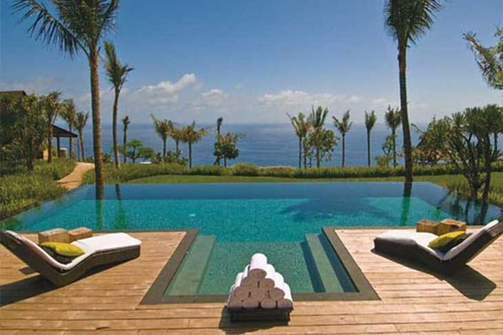 V lja en snygg altan till poolen allt om pooler och for Bali home inspirational design ideas