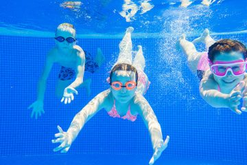 öppna pool inför sommaren